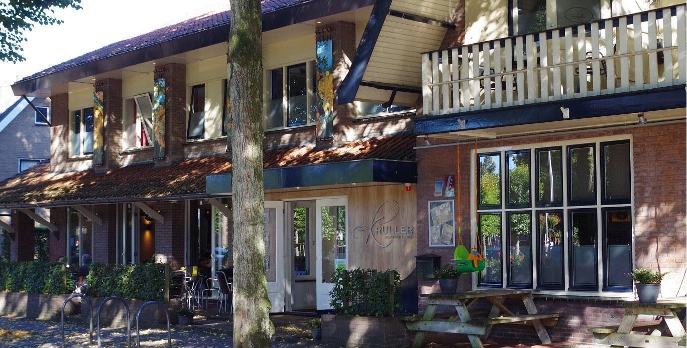Vooraanzicht Grand Café Hotel Kruller